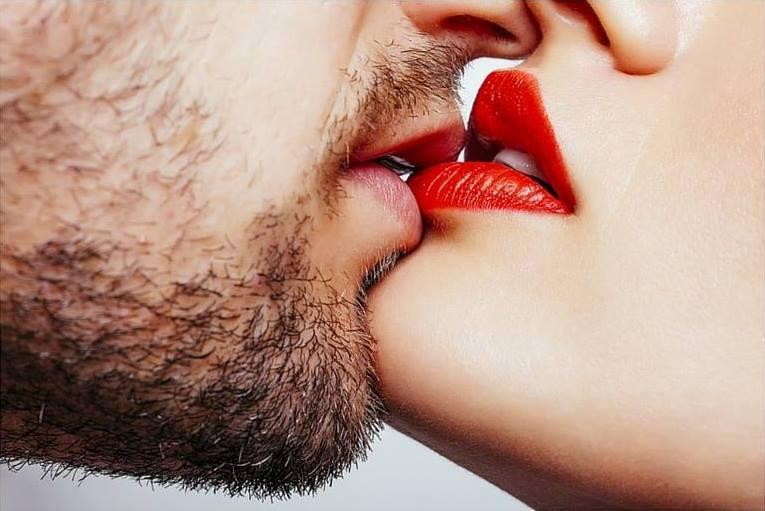 kwas hialuronowy powiększanie ust